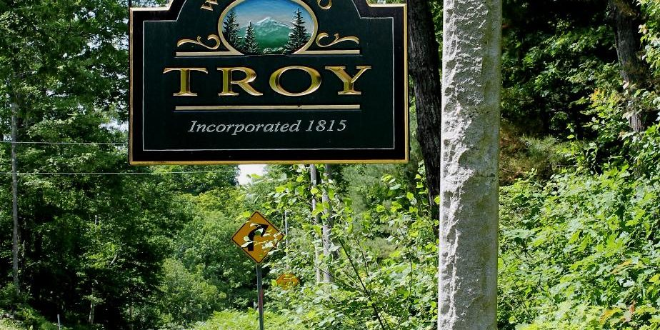 Welcome to troy NH sign